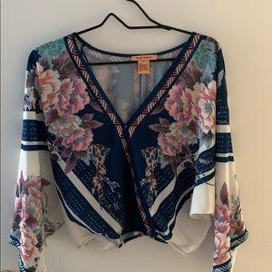 V-neck floral crop top